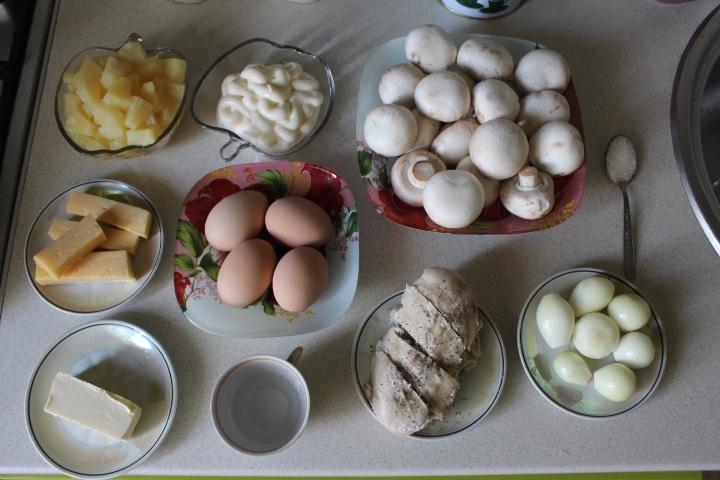Фото рецепта - Нежный ананасовый салат - шаг 1