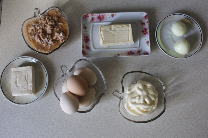 Фото рецепта - Нежный салат Мимоза с лососем - шаг 1