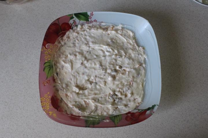 Фото рецепта - Нежный салат Мимоза с лососем - шаг 6
