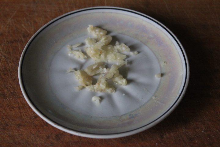 "Фото рецепта - Салат ""Цезарь"" с шпинатом - шаг 4"