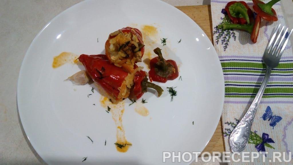 Фото рецепта - Перец фаршированный рисом и овощами с грибами. - шаг 10