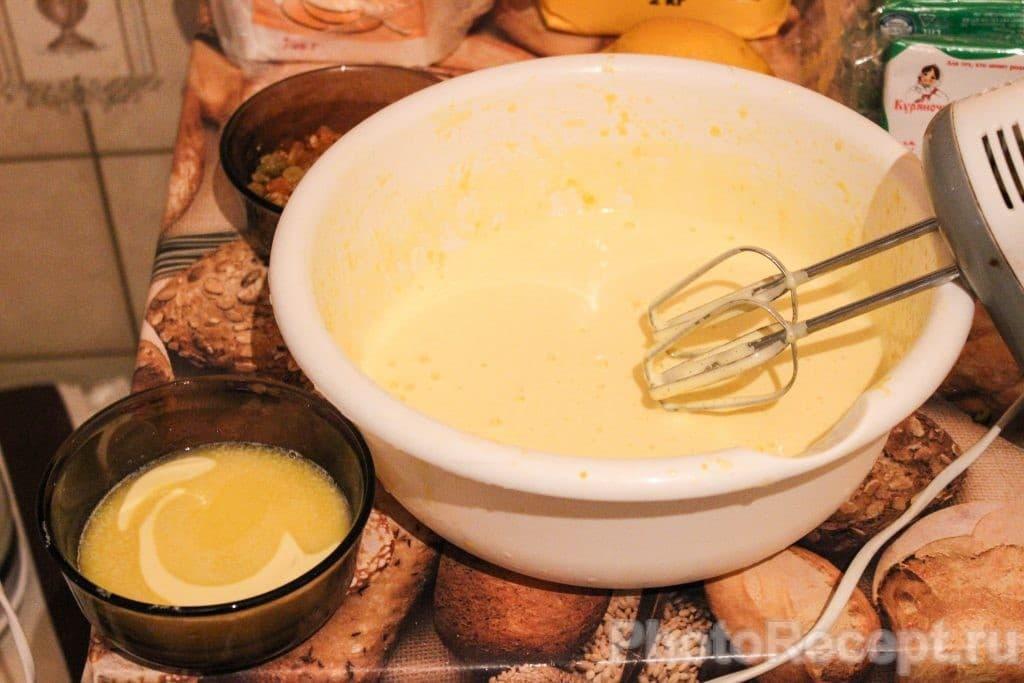 Фото рецепта - Запеканка из творога с изюмом и ананасами - шаг 3