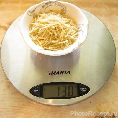 Фото рецепта - Суп по-итальянски с чечевицей, пастой и колбасой - шаг 3