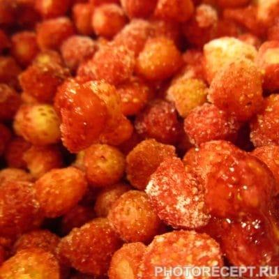 Фото рецепта - Жареные пончики с ягодами по-вегетариански - шаг 1