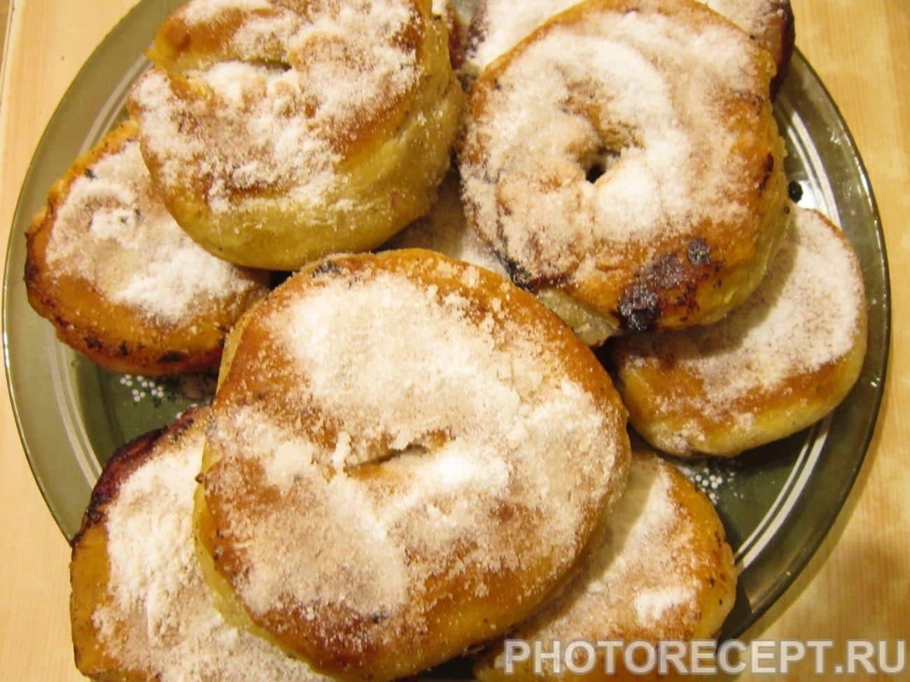 Жареные пончики с ягодами по-вегетариански