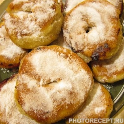 Жареные пончики с ягодами по-вегетариански - рецепт с фото