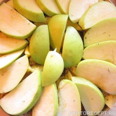 Фото рецепта - Курица с картошкой и яблоком на углях - шаг 4