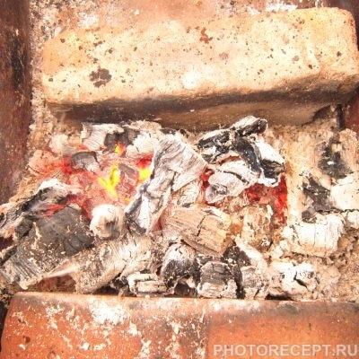 Фото рецепта - Курица с картошкой и яблоком на углях - шаг 5