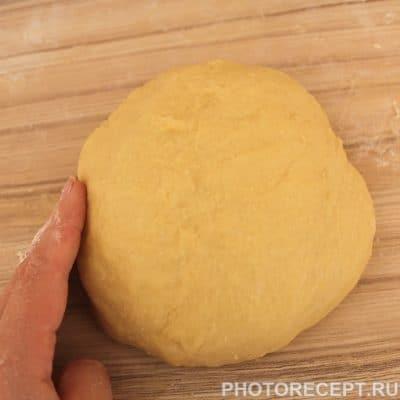 Фото рецепта - Пончики с шоколадной глазурью и сахарной пудрой - шаг 3