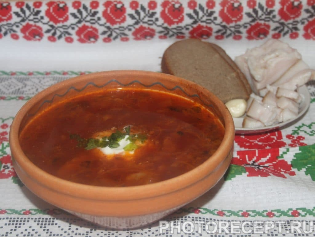 Фото рецепта - Борщ со свеклой нарезанной соломкой, на мясном бульоне - шаг 9