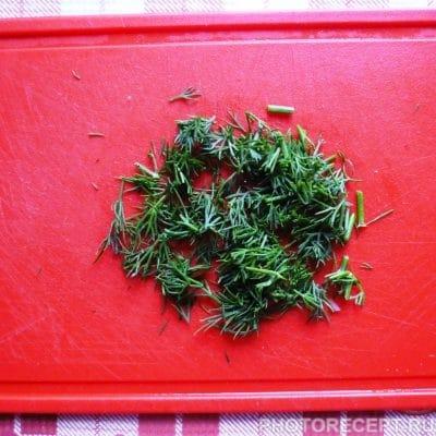 Фото рецепта - Салат из помидоров «Подарок осени» - шаг 3