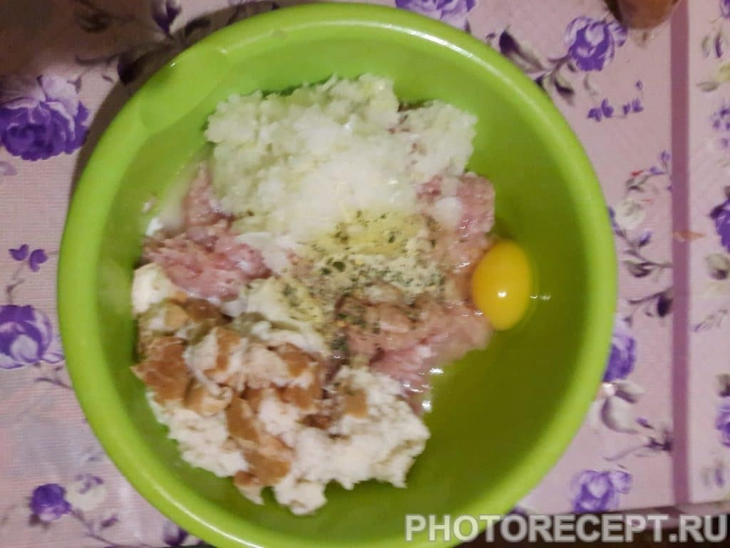 "Фото рецепта - Тефтели на сковороде ""по-домашнему"" - шаг 4"