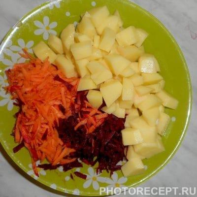 Фото рецепта - Вкусный борщ со свеклой - шаг 3
