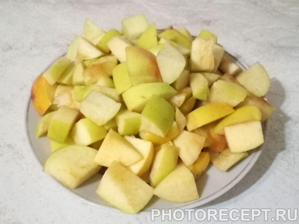 Фото рецепта - Куриное филе с яблоками и луком - шаг 3