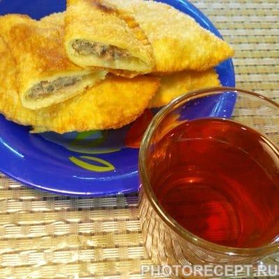 Фото рецепта - Чебуреки с мясом - шаг 6