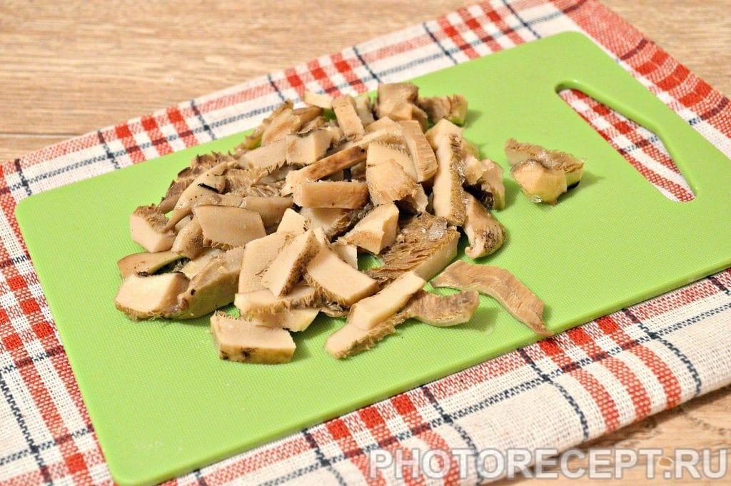 Фото рецепта - Жареная картошка с замороженными грибами - шаг 1