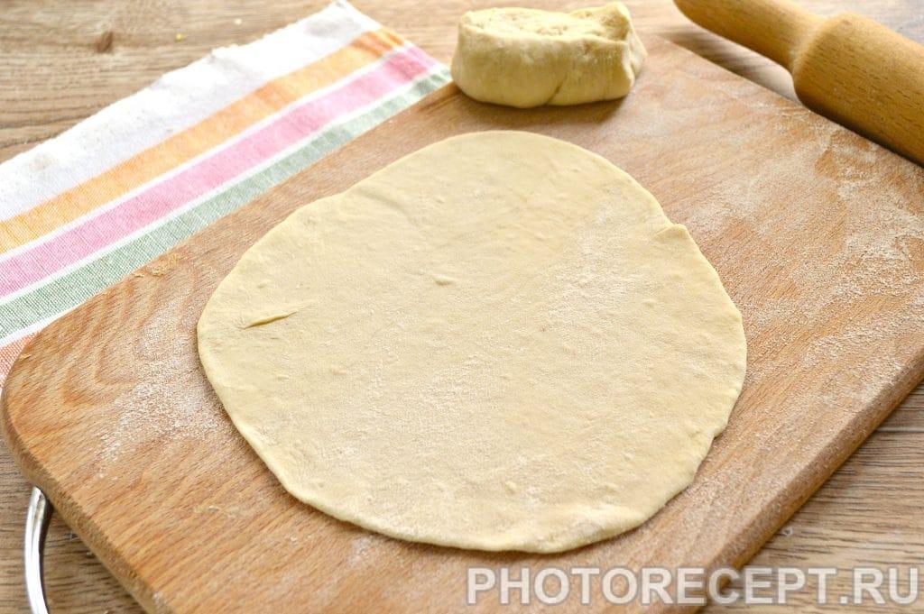 Фото рецепта - Вкусные лепешки с сыром на сковороде - шаг 1