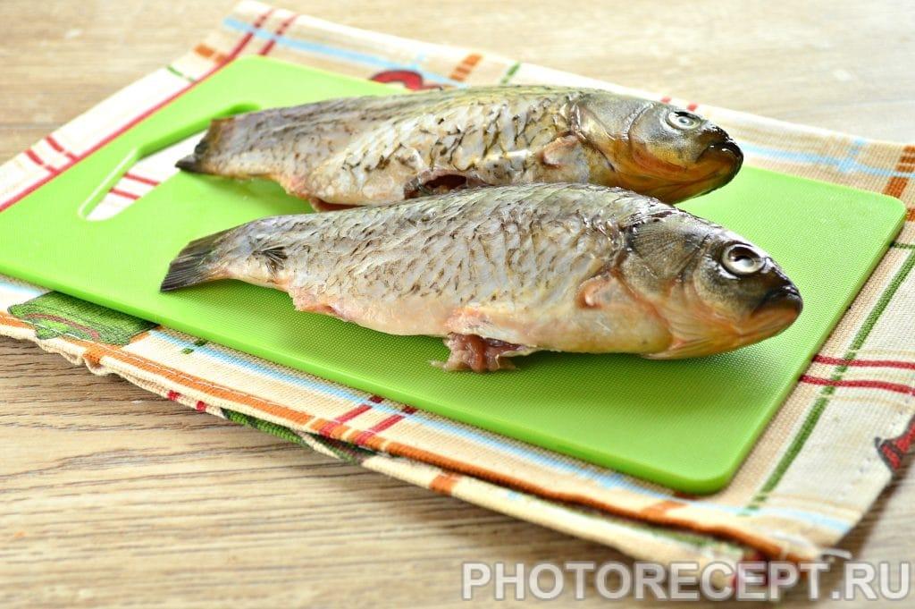 Фото рецепта - Карась в фольге на овощной подушке - шаг 1