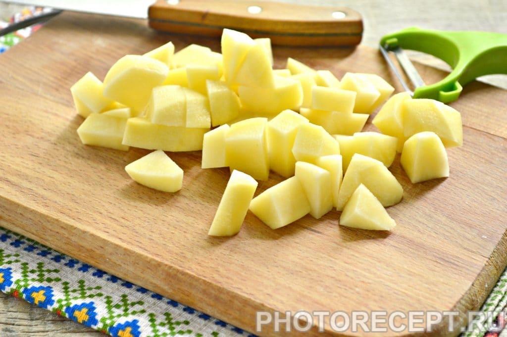 Фото рецепта - Легкий куриный суп с овсяными хлопьями - шаг 1