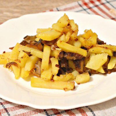 Жареная картошка с замороженными грибами - рецепт с фото