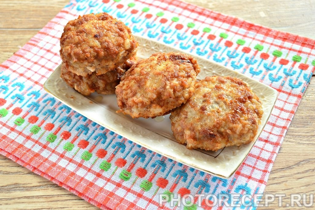 Фото рецепта - Котлеты из свиного фарша с рисом - шаг 9
