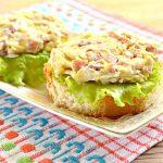 Праздничные бутерброды с копченой курицей