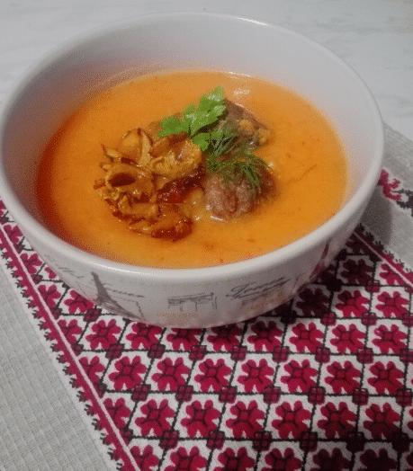 Грибной суп-пюре с мясными фрикадельками