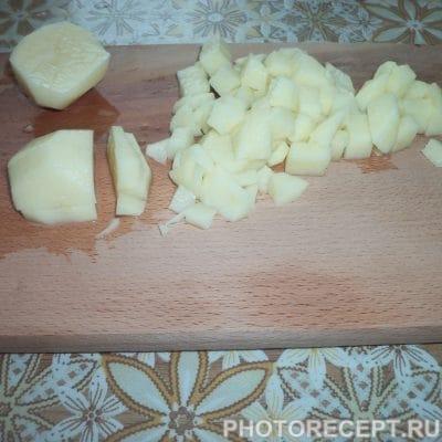 Фото рецепта - Отварная окрошка с колбасой и сметанно-горчичной заправкой - шаг 1