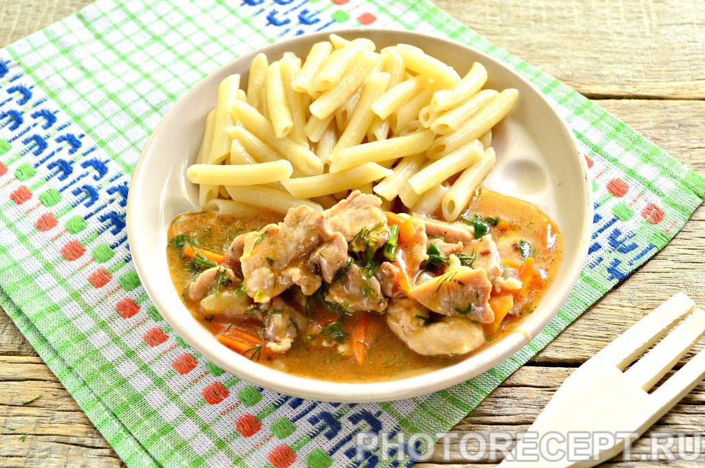 Фото рецепта - Мясо с овощами на сковороде - шаг 10