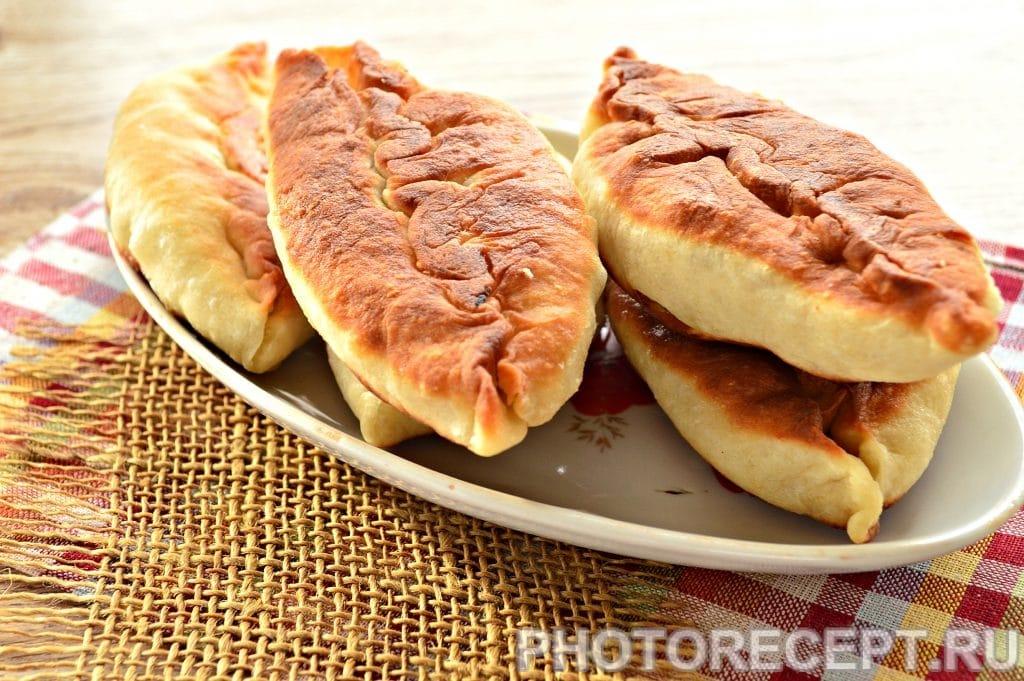 Фото рецепта - Жареные пирожки с капустой - шаг 13