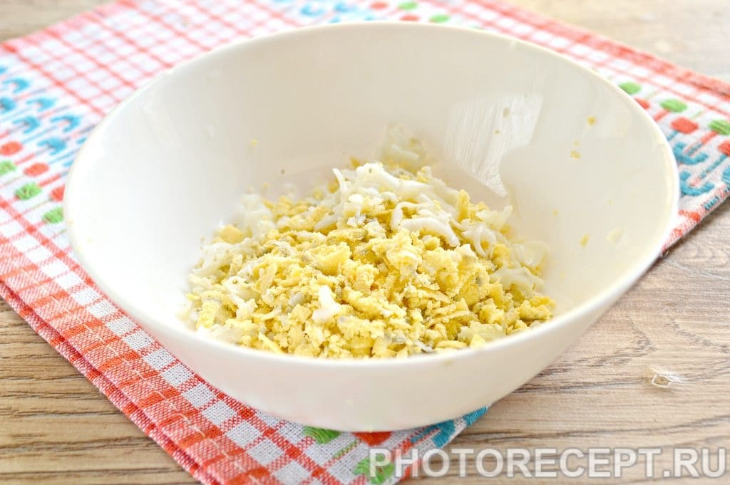 Фото рецепта - Праздничные бутерброды с копченой курицей - шаг 3