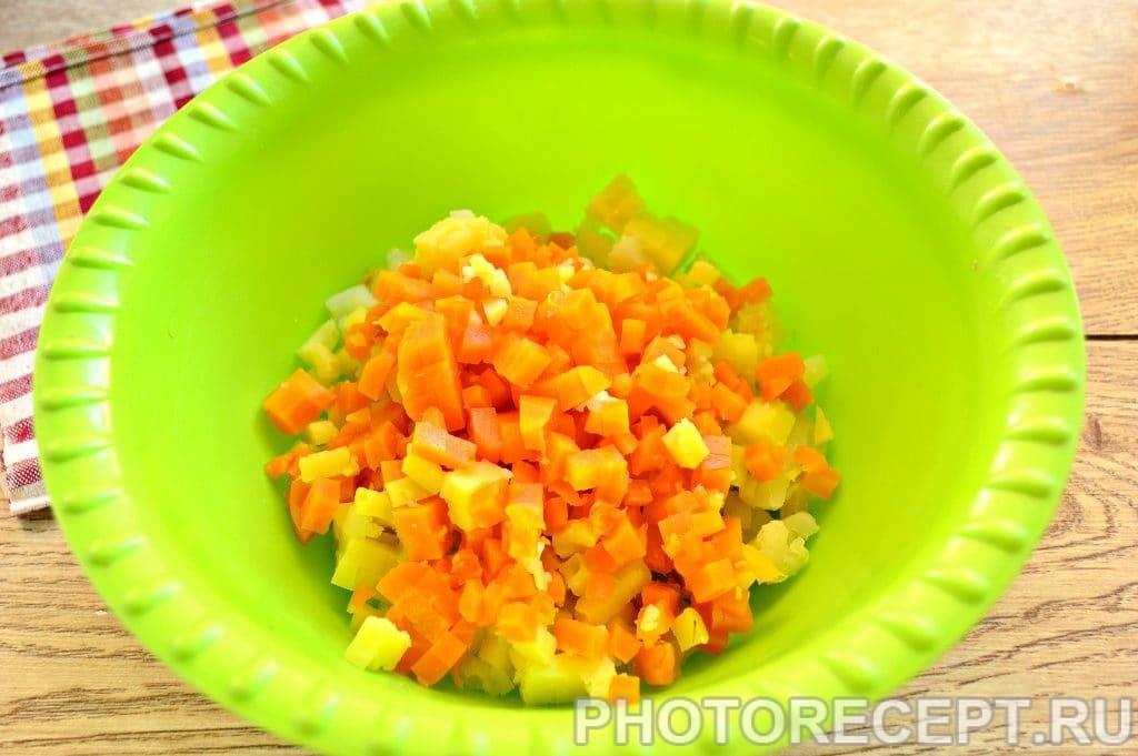 Фото рецепта - Винегрет с солеными огурцами - шаг 2