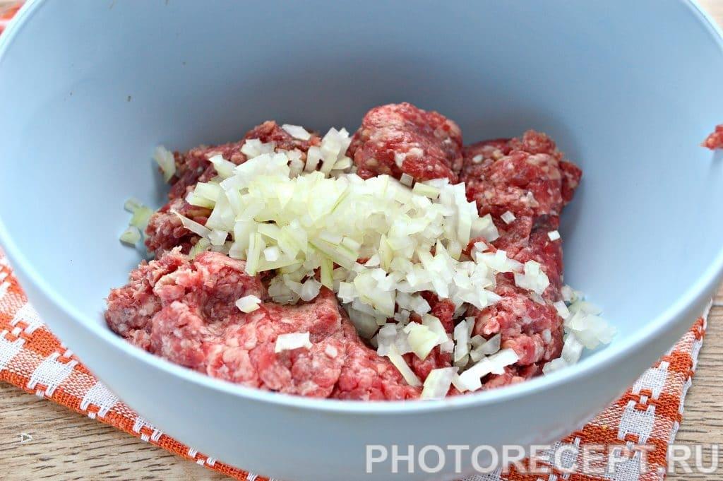 Фото рецепта - Котлеты в духовке из говядины - шаг 2