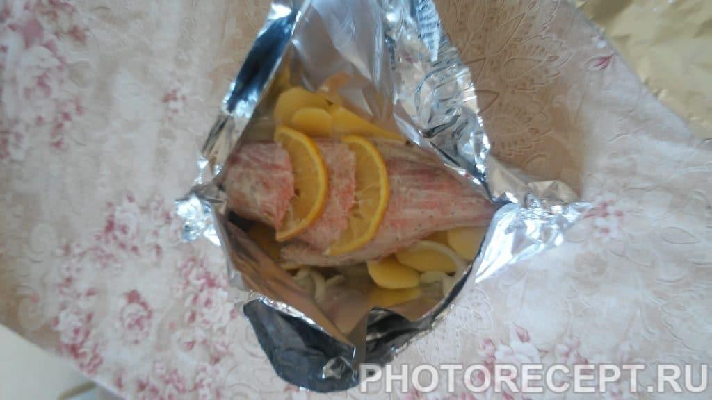 Фото рецепта - Рыба запеченная в фольге с картошкой - шаг 6