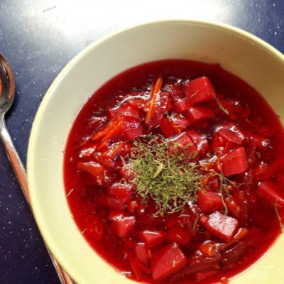 Диетический красный борщ с курицей - рецепт с фото