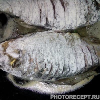 Фото рецепта - Жареные карасики (косточки совсем не чувствуются) - шаг 5