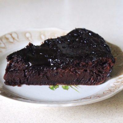 Шоколадный пирог с глазурью - рецепт с фото