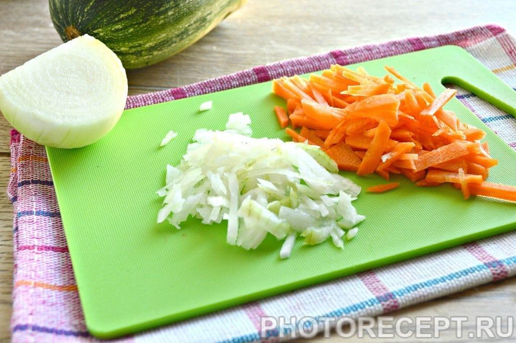 Фото рецепта - Куриный бульон с овощами - шаг 3