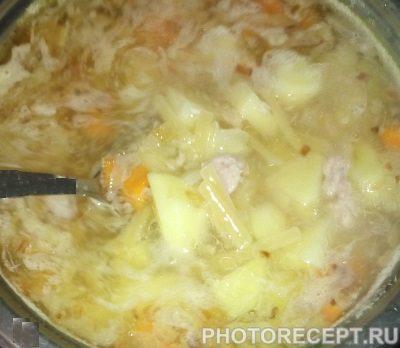 Фото рецепта - Суп с консервированным тунцом - шаг 4