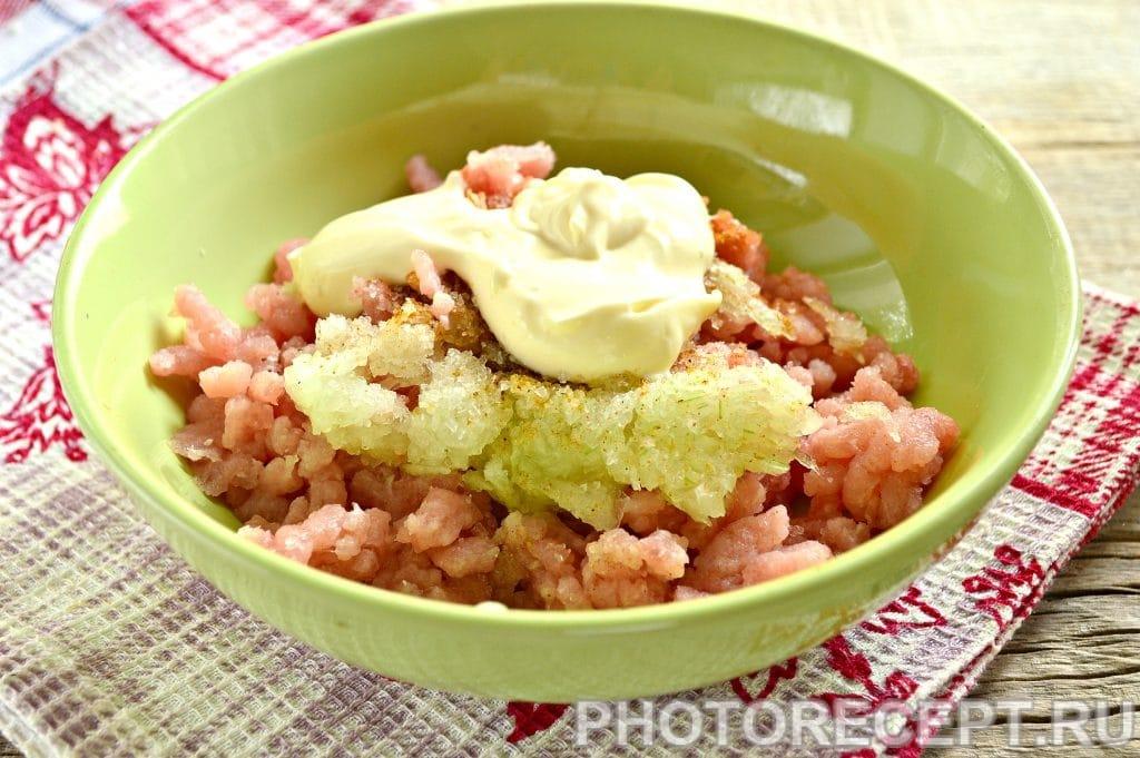 Фото рецепта - Бифштекс из свинины на сковороде - шаг 4