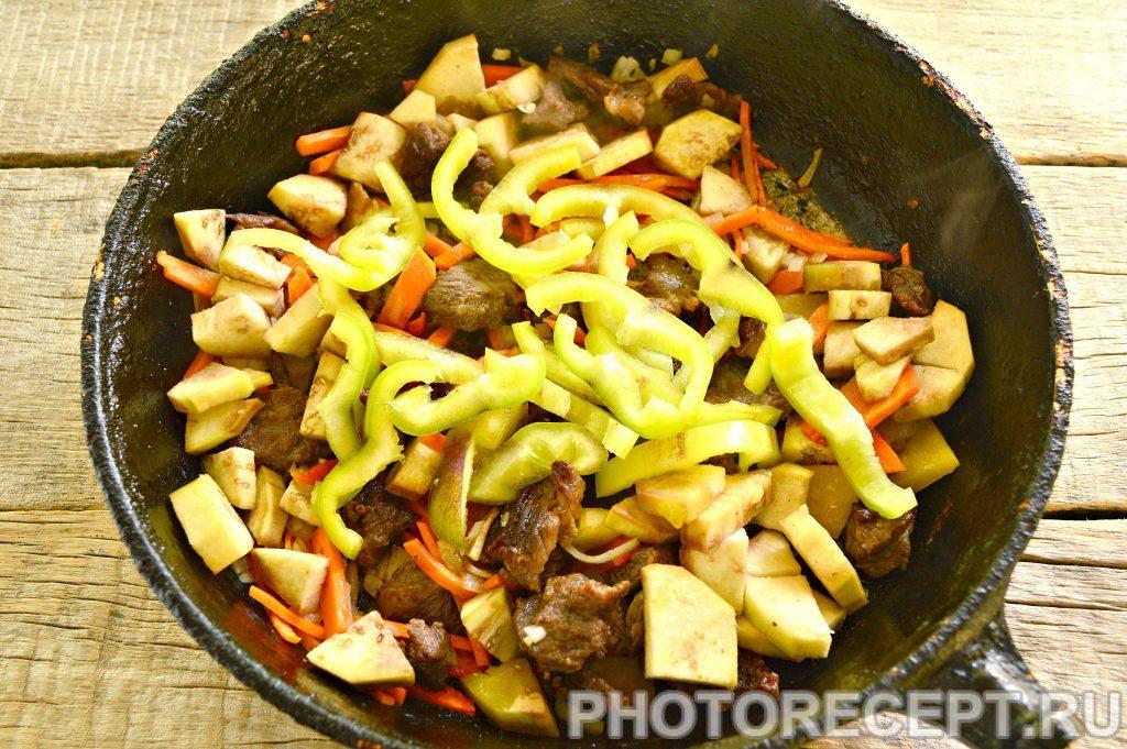 Фото рецепта - Тушеная картошка с баклажанами и говядиной - шаг 4