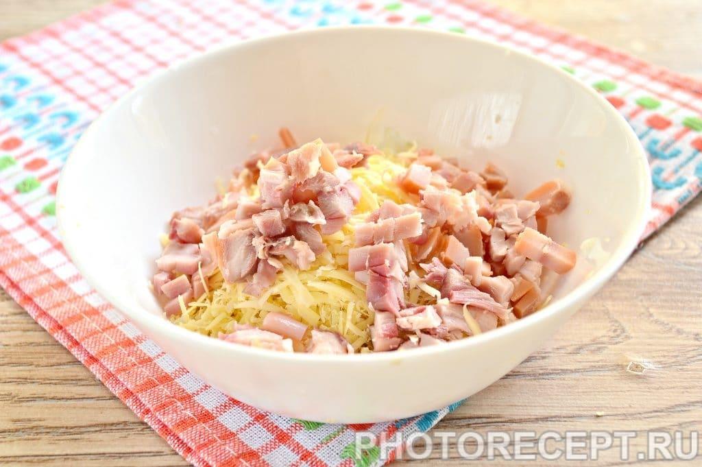 Фото рецепта - Праздничные бутерброды с копченой курицей - шаг 5