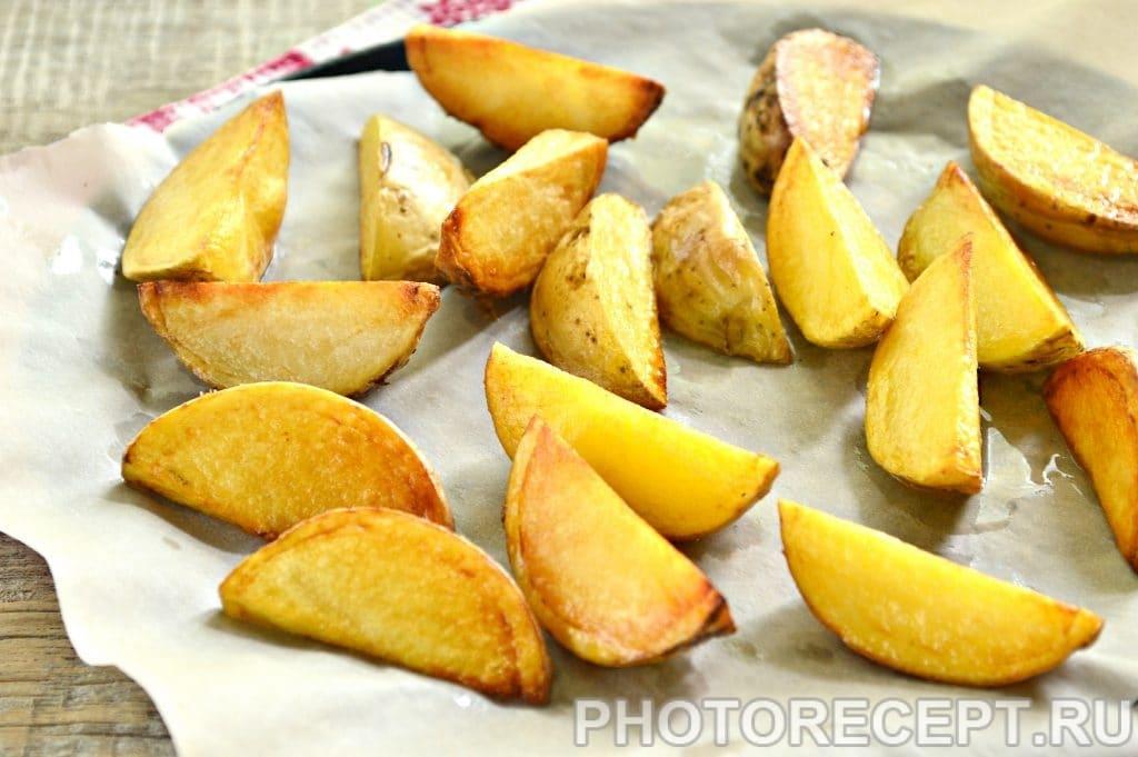 Фото рецепта - Картофель по-деревенски со специями - шаг 4
