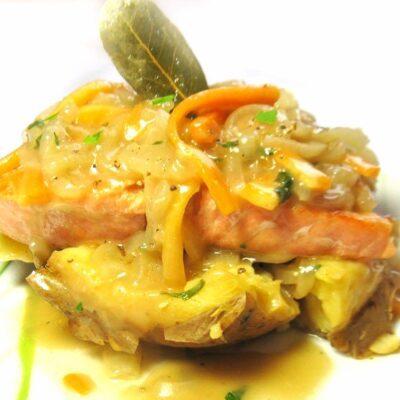 Семга под кисло-сладким соусом - рецепт с фото