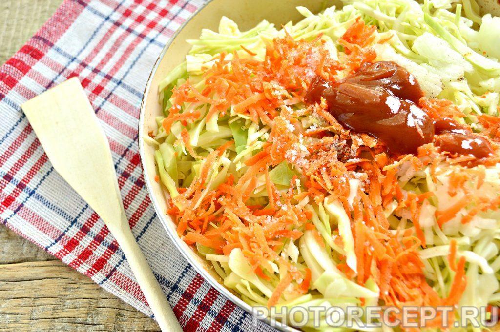 Фото рецепта - Свинина тушеная с капустой - шаг 5