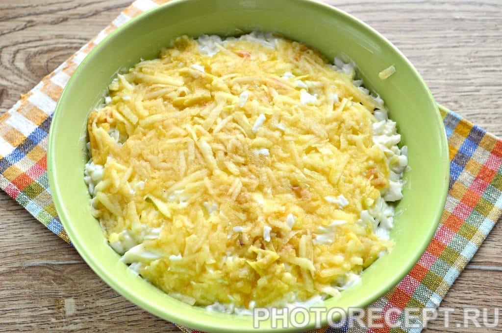 Фото рецепта - Слоеный салат с селедкой - шаг 5