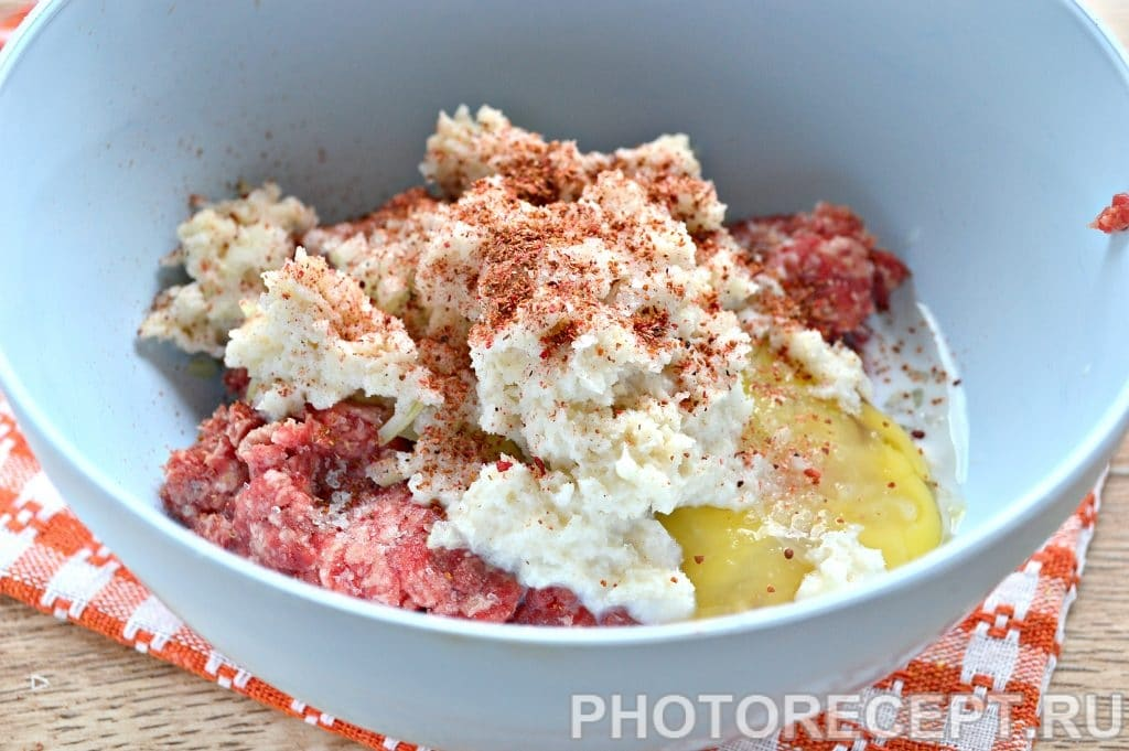 Фото рецепта - Котлеты в духовке из говядины - шаг 5