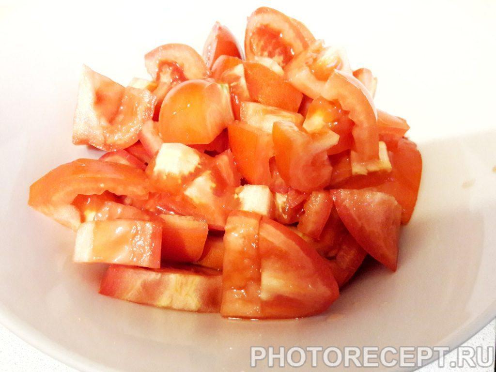 Фото рецепта - Салат из помидоров, огурцов и перца - шаг 1
