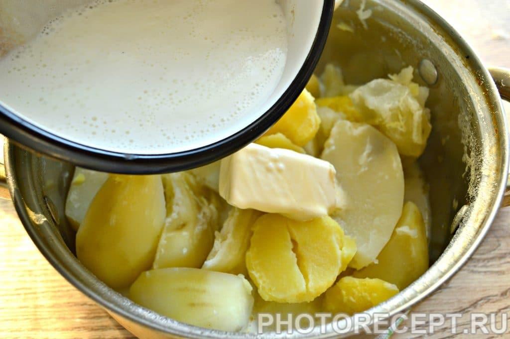 Фото рецепта - Картофельное пюре с молоком и сливочным маслом - шаг 6