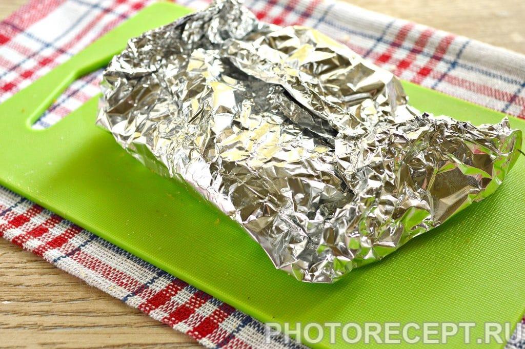 Фото рецепта - Куриные окорочка с чесноком в фольге - шаг 6